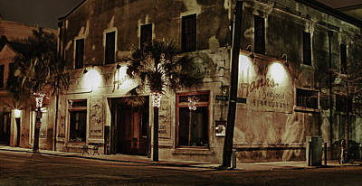 Wall Art - Photograph - Hank's Restaurant by Daniel Amick