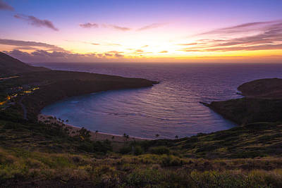 Photograph - Hanuama Crater Rim Sunrise by Brian Governale
