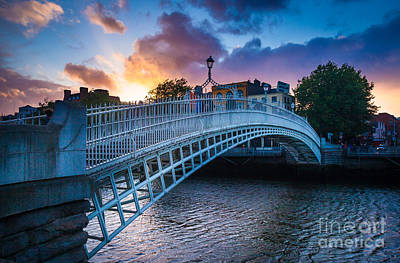 Photograph - Ha'penny Bridge by Inge Johnsson