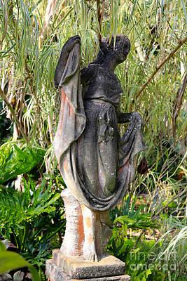 Photograph - Happy Garden Statue by Carol Groenen