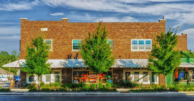 Franklin Tennessee Photograph - Hardware Store - Franklin Tennessee by Frank J Benz