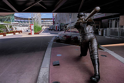 Pucketts Photograph - Harmon Killebrew Statue And Target Field by Tom Gort
