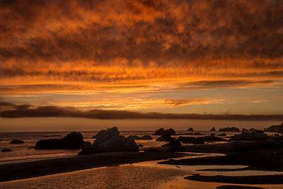 Photograph - Harris Beach Sunset 1 by Lee Kirchhevel