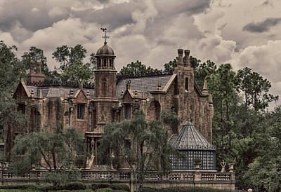 Photograph - Haunted Mansion by Nicholas Evans