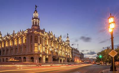Havana, Cuba, The National Theater Art Print by Buena Vista Images
