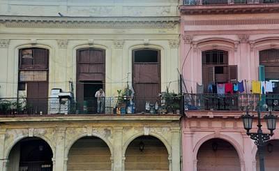 Photograph - Havana Street Scene 10 by Steven Richman