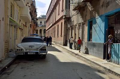 Photograph - Havana Street Scene 2 by Steven Richman