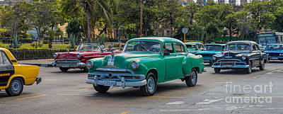 Photograph - Havana Traffic by Les Palenik