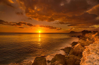 Photograph - Hawaii Golden Sunset by Tin Lung Chao