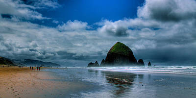 Haystack Rock Iv Art Print by David Patterson