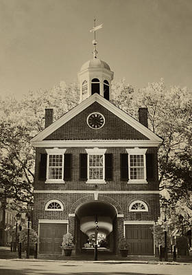 Headhouse Square - Philadelphia In Sepia Art Print by Bill Cannon