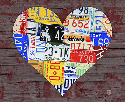 Red Barns Mixed Media - Heart Of America Usa Heartland Map License Plate Art On Red Barn Wood by Design Turnpike