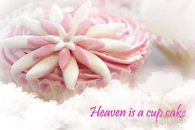 Photograph - Heaven Is A Cupcake by Terri Waters