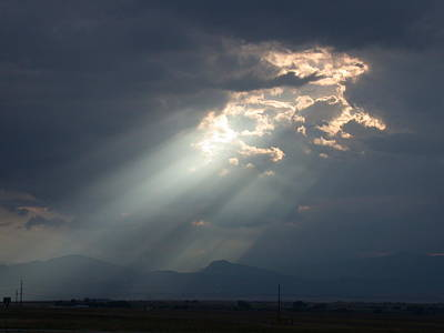 Photograph - Heavenly Rays by Shane Bechler
