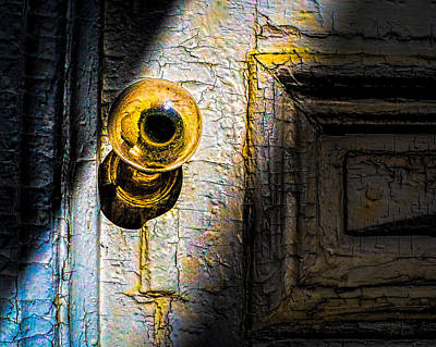 Photograph - Her Glass Doorknob by Bob Orsillo