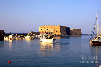 Photograph - Heraklion Sunset by Paul Cowan