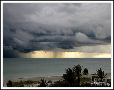 Photograph - Here Comes The Storm by Mariarosa Rockefeller