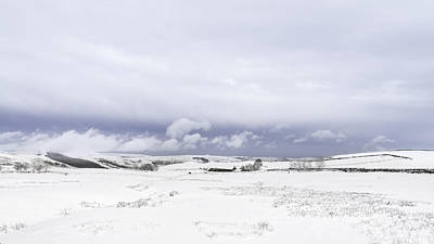 Shivering Photograph - High Peak Derbyshire by Ollie Taylor