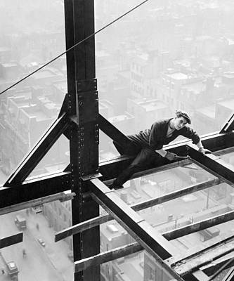 Photograph - High Steel Worker In Ny by Underwood Archives