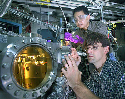 Electrical Resistance Photograph - High-temperature Superconductivity by Science Source