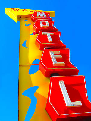 Photograph - Hilander Motel by Gail Lawnicki