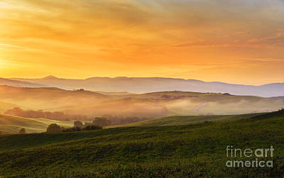 Tuscany Italy Photograph - Hills And Fog by Yuri Santin