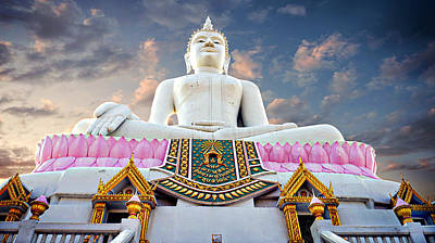 Design Turnpike Books Royalty Free Images - Hilltop Buddha Royalty-Free Image by Ian Gledhill