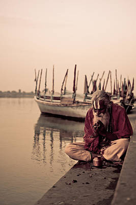 Photograph - Hindu Priest Offering Prayers by Nila Newsom