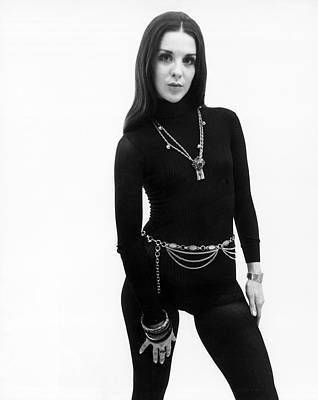 Long Necklace Photograph - Hip 1970 Fashion by Underwood Archives