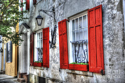 Photograph - Historic Charleston Pirates House by Dale Powell