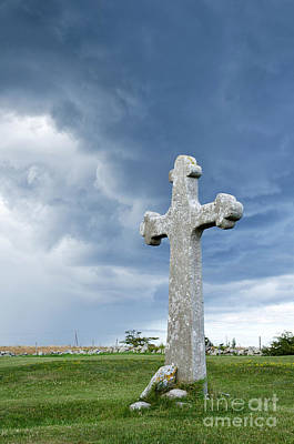Photograph - Historic Cross by Kennerth and Birgitta Kullman