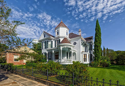 Historic District Home V2 - Natchez Print by Frank J Benz