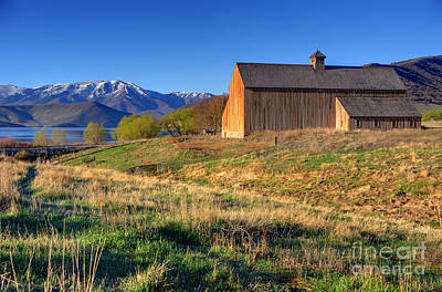 Heber Springs Photograph - Historic Francis Tate Barn - Wasatch Mountains by Gary Whitton