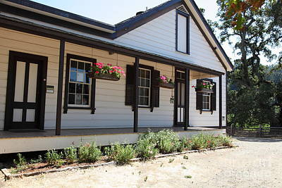 Photograph - Historic Jack London Cottage And Garden In Glen Ellen California 5d24535 by Wingsdomain Art and Photography