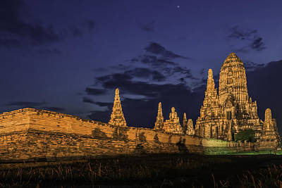 Photograph - Thai Twilight by Maria Coulson