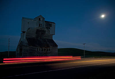 Photograph - Hiway Elevator And Moon by Doug Davidson
