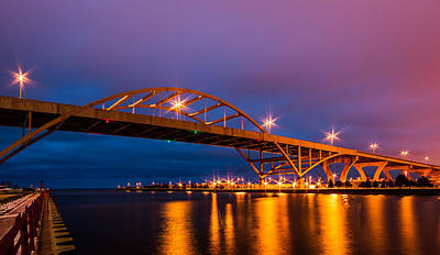 Photograph - Hoan by Dave Chandre