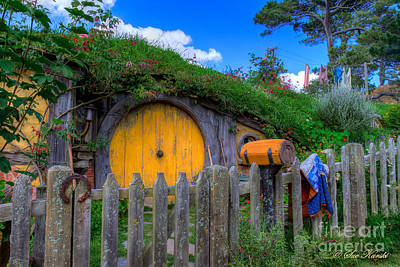 Photograph - Hobbit Hole 16 by Sue Karski