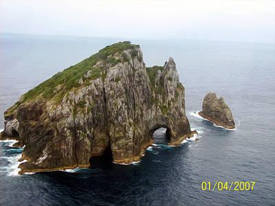 Pic Digital Art - Hole In The Rock New Zealand by Gabriel Jeane
