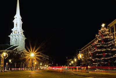 Photograph - Holiday Excitement In Market Square by Jeff Sinon