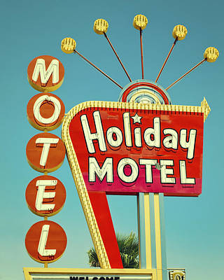 Photograph - Holiday Motel Neon Sign by Gigi Ebert