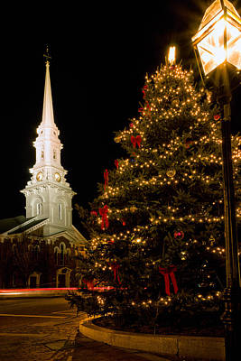Photograph - Holiday Time In Market Square. by Jeff Sinon