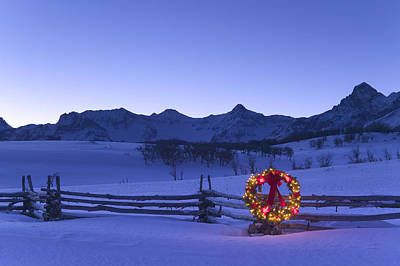 Split Rail Fence Photograph - Holiday Wreath On Split Rail Fence by Michael DeYoung