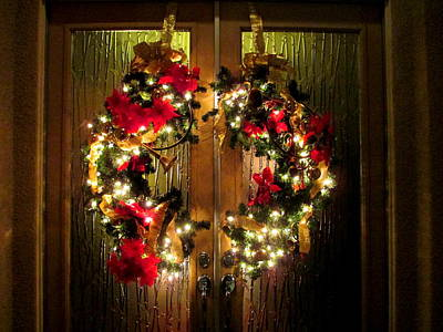 Photograph - Holiday Wreath by Randall Weidner