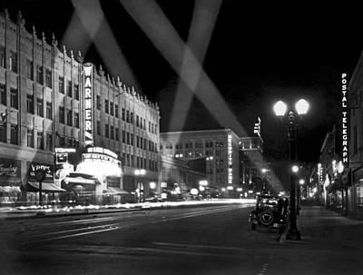 Illuminated Photograph - Hollywood Premier by Underwood Archives