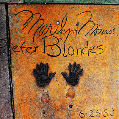 Photograph - Hollywood Walk Of Fame Marilyn Monroe 5d29023 by Wingsdomain Art and Photography