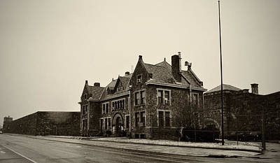 Northeast Philly Photograph - Holmesburg Prison by Bill Cannon