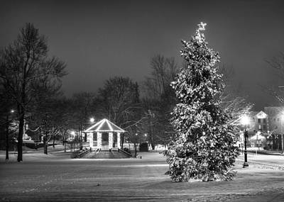 Christmas Holiday Scenery Photograph - Home For The Holidays by Benjamin Williamson