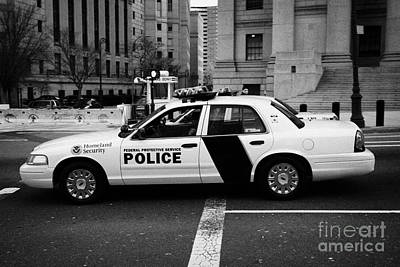 Homeland Security Federal Protective Service White Police Car Outside Courthouse New York City Print by Joe Fox