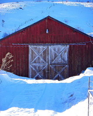 Photograph - Homestead Barn by KD Johnson